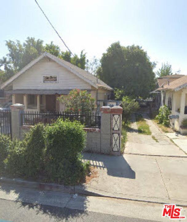 1047   S Normandie Avenue, Los Angeles CA 90006
