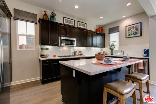 1550  Thorpe Trail, Oxnard in Ventura County, CA 93036 Home for Sale