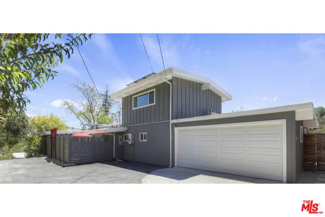 2. 4901 Escobedo Drive Woodland Hills, CA 91364