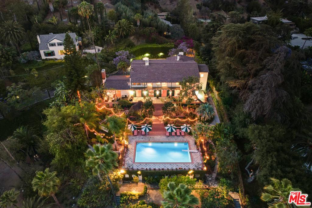2003 La Brea Terrace