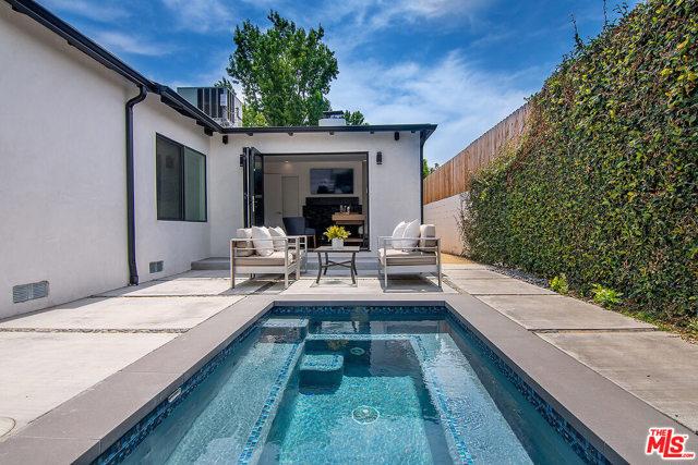 33. 4221 Greenbush Avenue Sherman Oaks, CA 91423
