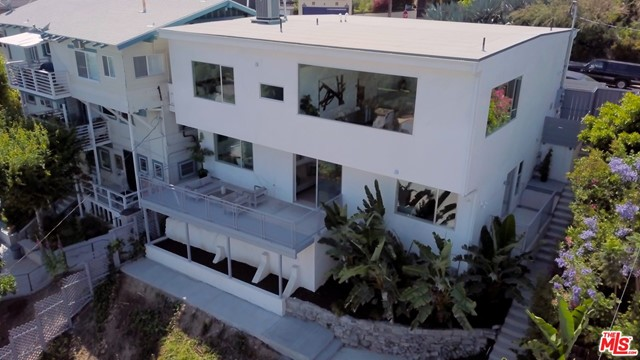 1346 WESTERLY Terrace, Los Angeles, CA 90026