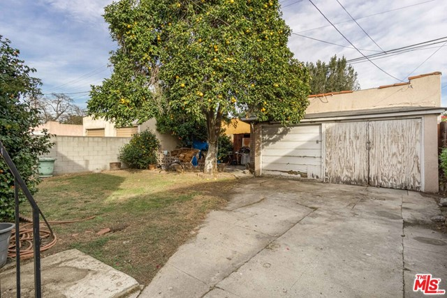 Image 3 of 3032 Somerset Dr, Los Angeles, CA 90016