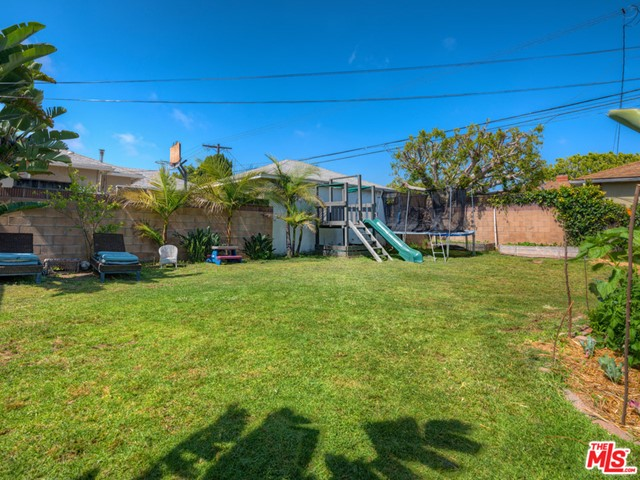 7948 CHASE Avenue, Los Angeles, CA 90045