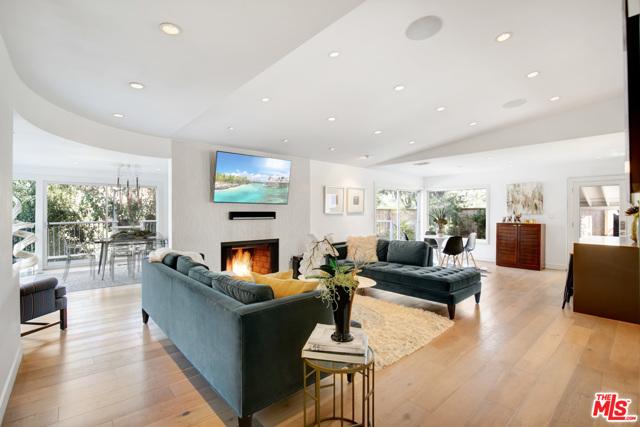 3260 Hillock Drive, Los Angeles, CA 90068