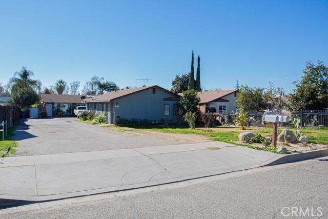 1086 W G Street, Colton, CA 92324