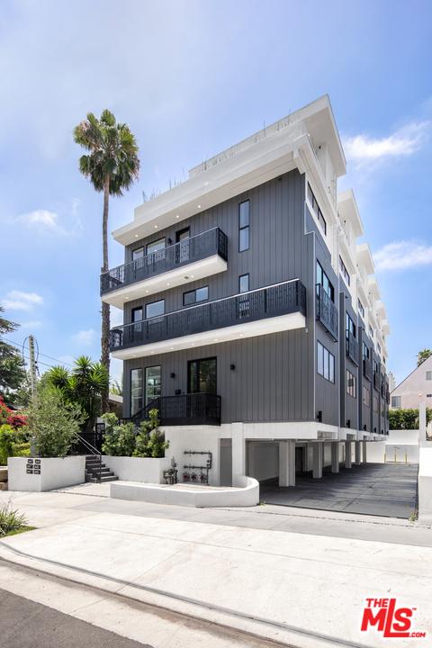 Image 2 of 1447 N Martel Heights Dr, Los Angeles, CA 90046