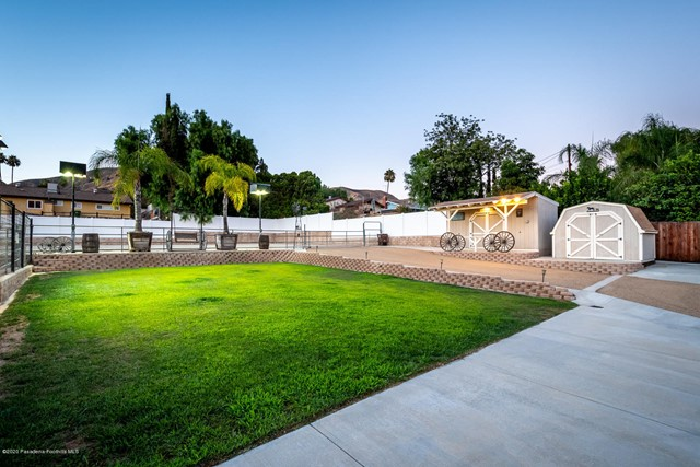 10631 Foothill Bl, Lakeview Terrace, CA 91342 Photo 22