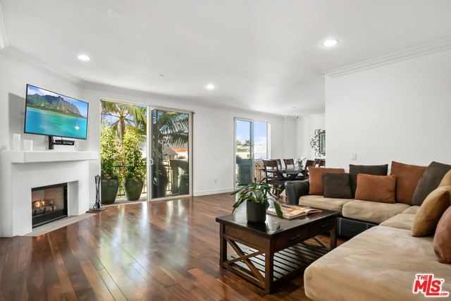 1450 S BEVERLY Drive 201, Los Angeles, CA 90035