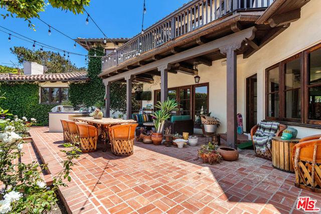 8. 453 Via Media Palos Verdes Estates, CA 90274