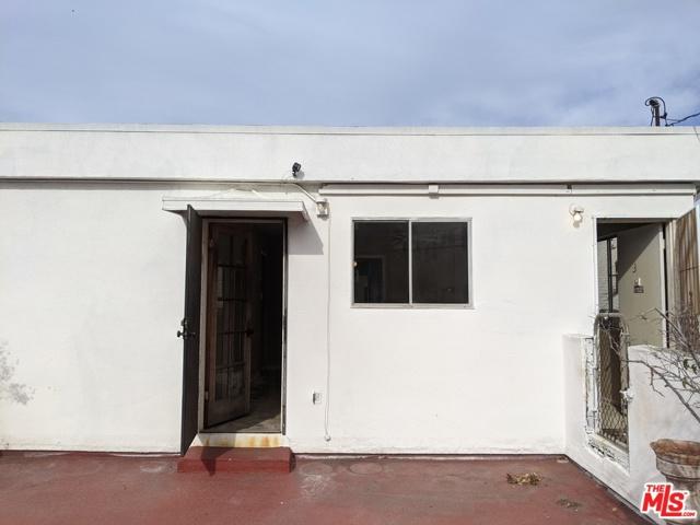 36 Paloma Avenue, Venice, California 90291, ,Multi-Family,For Sale,Paloma,21677120