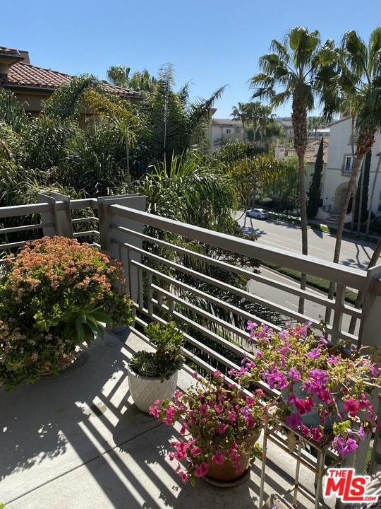5831 Seawalk Drive, Playa Vista, CA 90049 Photo 10