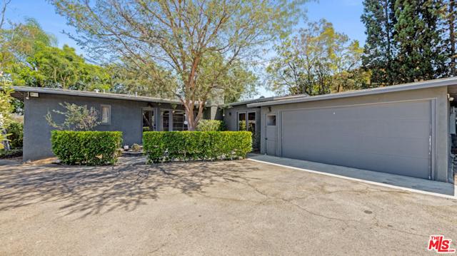 3247 Dos Palos Dr, Los Angeles, CA 90068