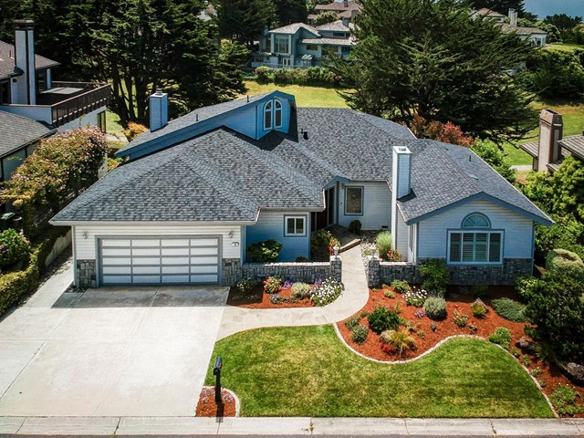 16 Fairway Place, Half Moon Bay, CA 94019