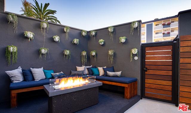 616 ESPLANADE 114, Redondo Beach, California 90277, 1 Bedroom Bedrooms, ,1 BathroomBathrooms,For Rent,ESPLANADE,21689454