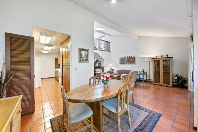 6. 2040 Middlefield Road #24 Mountain View, CA 94043