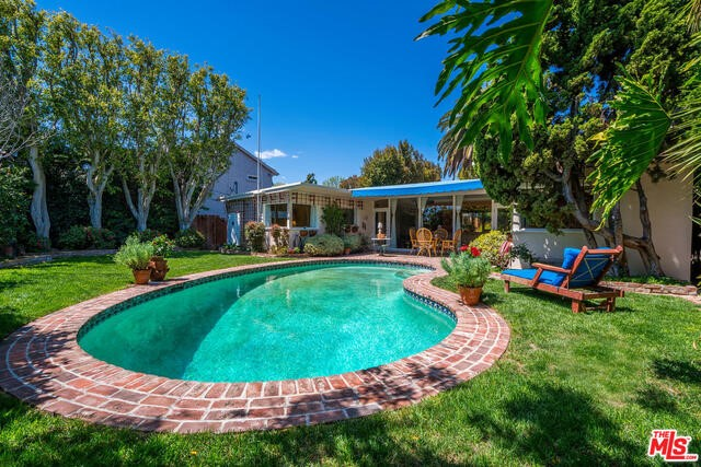 16832 Bollinger Dr, Pacific Palisades, CA 90272