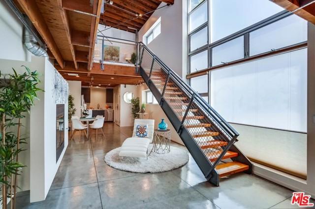 2. 835 Pine Avenue Long Beach, CA 90813
