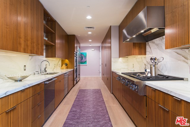 Kitchen in a $10,500,000 Los Angeles home for sale