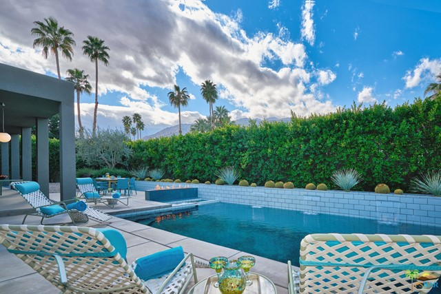 2153 CALIENTE Drive, Palm Springs, CA 92264