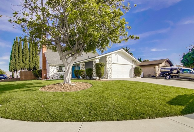 515 Bluffview Rd, Spring Valley, CA 91977