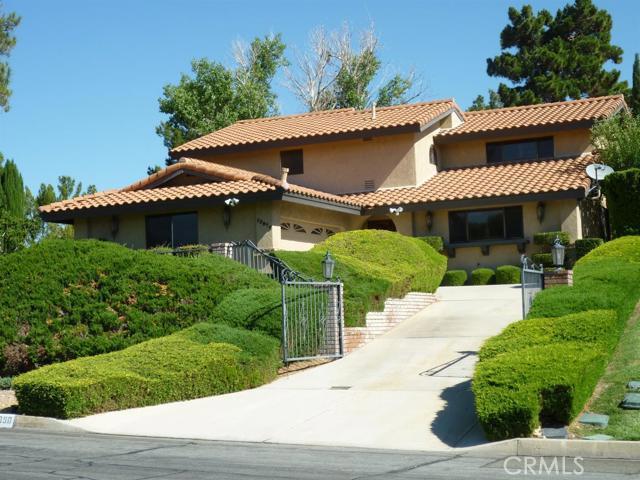 17950 Pebble Beach Drive, Victorville, CA 92395