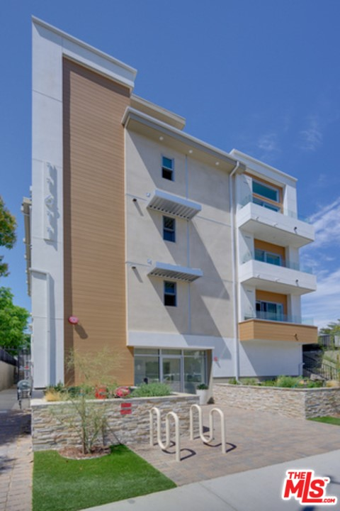 Photo of 11611 Moorpark Street, Studio City, CA 91602