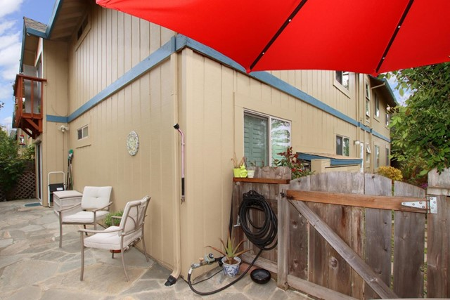 18. 101 Vista Prieta Court Santa Cruz, CA 95062