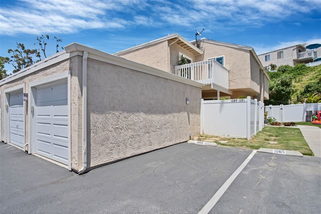 1089 Woodlake Dr, Cardiff by the Sea, CA 92007