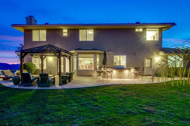 15118 Creek Hills Rd, El Cajon, CA 92021