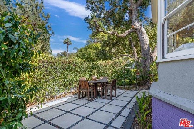 6. 3283 Bennett Drive Los Angeles, CA 90068