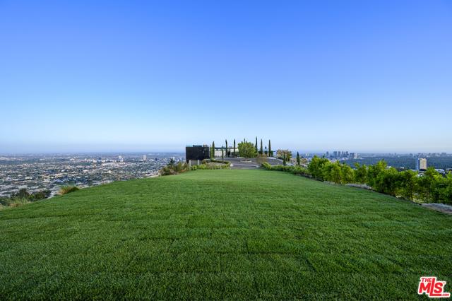 1622 VIEWMONT Drive, Los Angeles, CA 90069