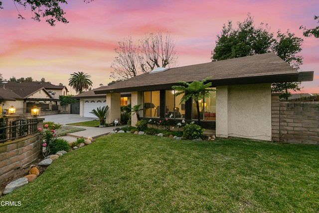 18. 923 Spruce Lane Pasadena, CA 91103