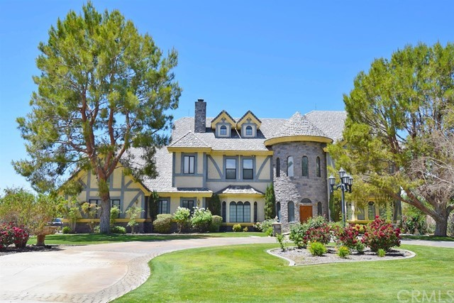 14962 Riverside Drive, Apple Valley, CA 92307