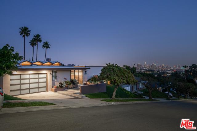2200 WINONA, Los Angeles, CA 90027