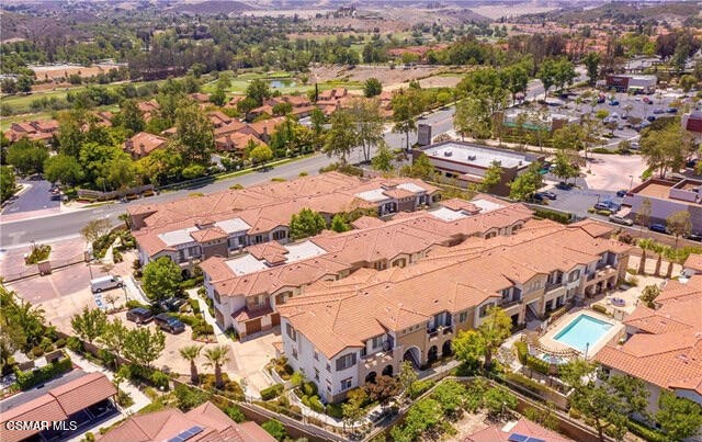 50. 461 Country Club Drive #111 Simi Valley, CA 93065