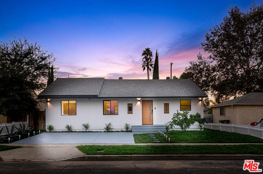 5731     Hesperia Avenue, Encino CA 91316