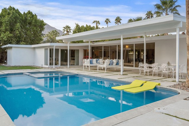 447 Mariscal Road, Palm Springs, CA 92262