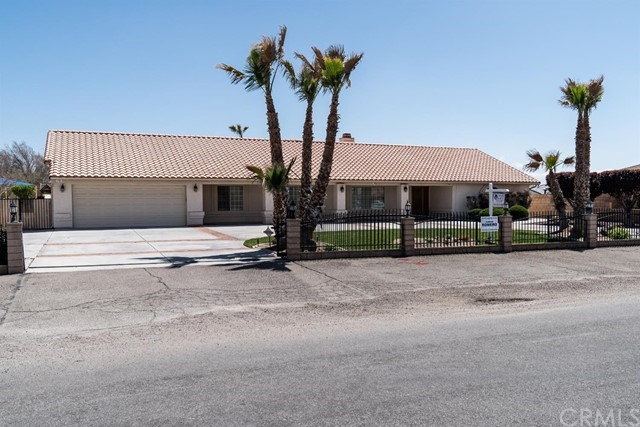 12494 Reata Road, Apple Valley, CA 92308