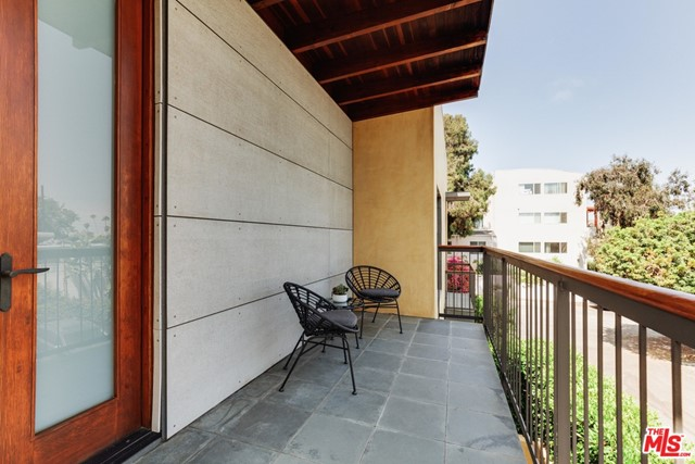 44. 629 Pico Place Santa Monica, CA 90405