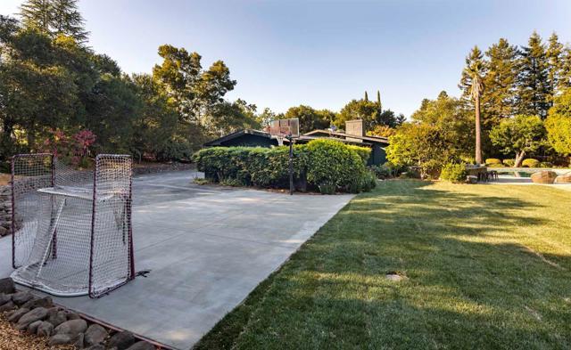4. 135 Woodside Drive Woodside, CA 94062