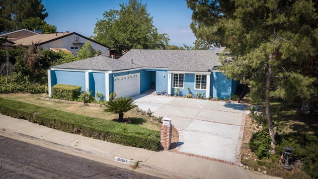 27729 Calypso Lane, Canyon Country, CA 91351