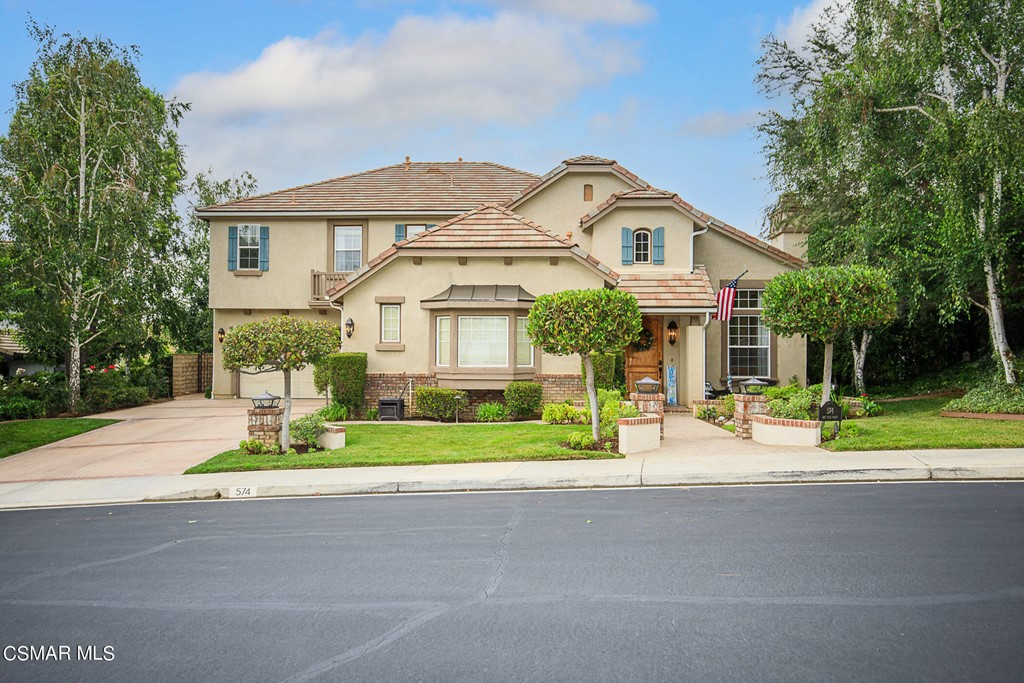 Photo of 574 Oak Tree Court, Simi Valley, CA 93065