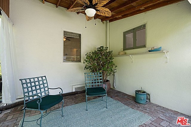 17. 9015 Rosewood Avenue West Hollywood, CA 90048