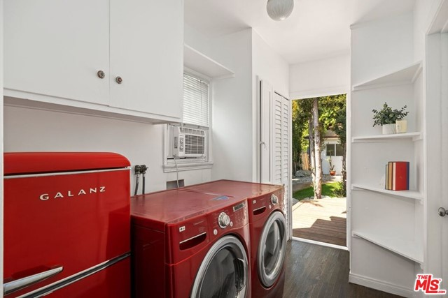 13. 745 N Poinsettia Place Los Angeles, CA 90046