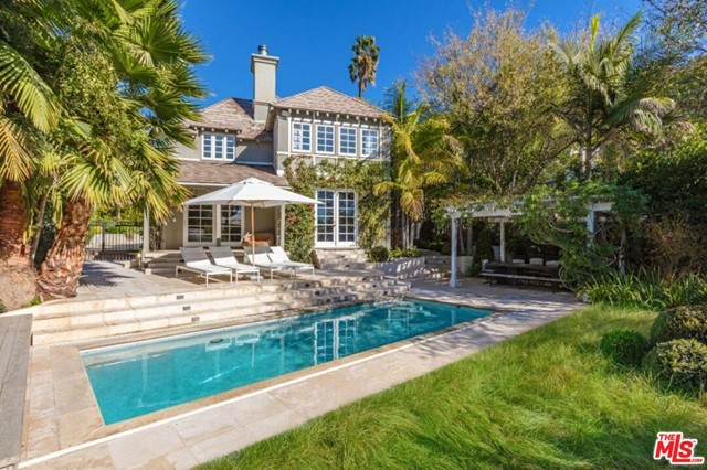 Photo of 1423 N Doheny Drive, Los Angeles, CA 90069