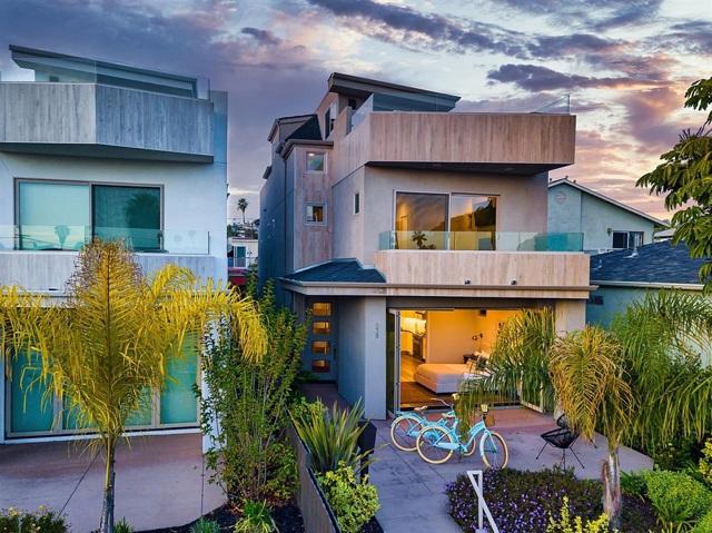 938 Opal St, San Diego, CA 92109