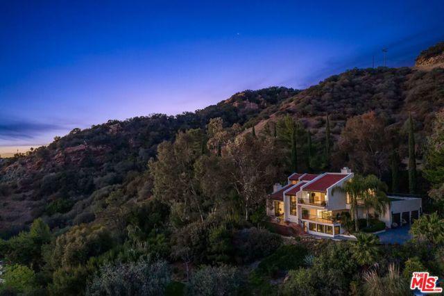 214 Loma Metisse Rd, Malibu, CA 90265 Photo