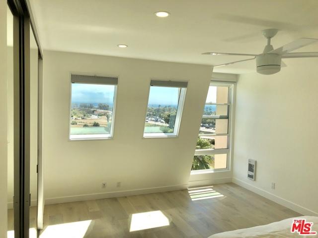 23901 CIVIC CENTER Way, Malibu, California 90265, 2 Bedrooms Bedrooms, ,1 BathroomBathrooms,Condominium,For Sale,CIVIC CENTER,21678220