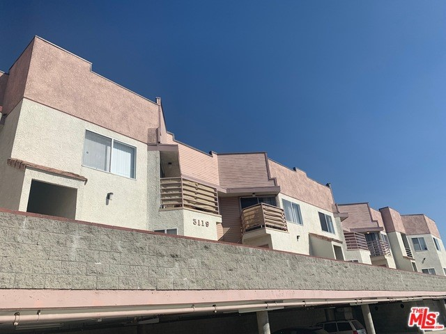 3119 FOOTHILL, La Crescenta, CA 91214